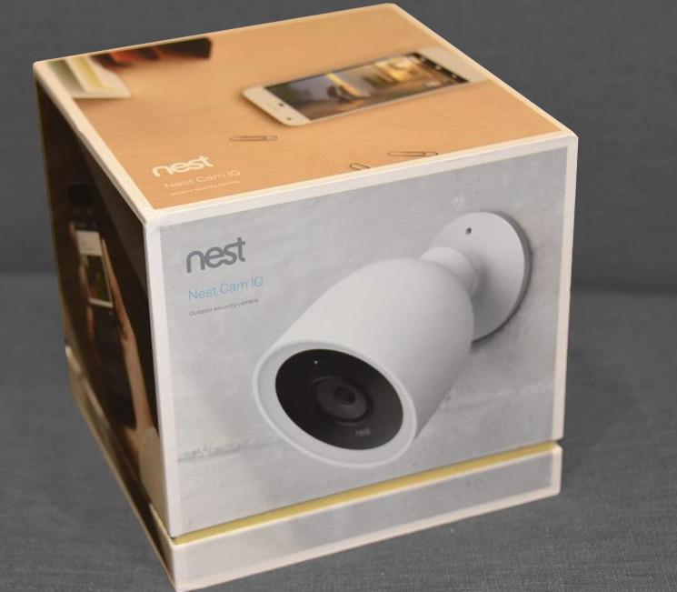 caméra de vidéosurveillance nest cam outdoor iq dans sa boite d'origine
