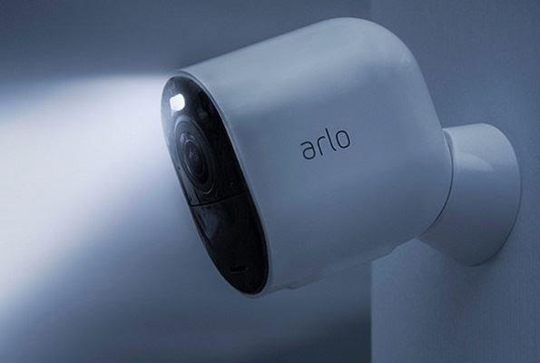 Camera de surveillance Arlo Ultra 4K
