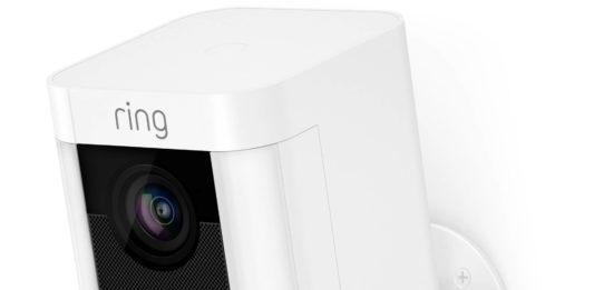 photo de la camera de surveillance ring spotlight cam battery